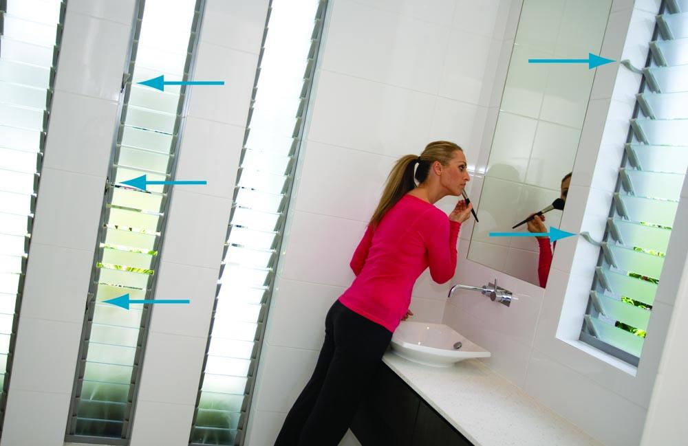 louvres_bathroom