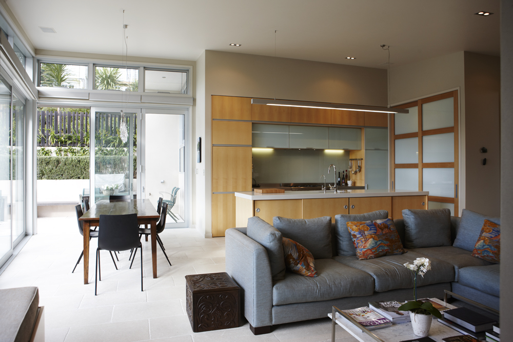 Living_room_with_high_level_louvres